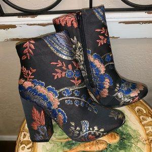 NWOT Tapestry Booties